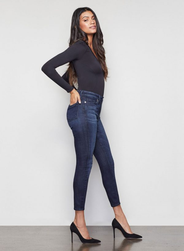 good-american-waist-core-crop-blue025-jeans-2